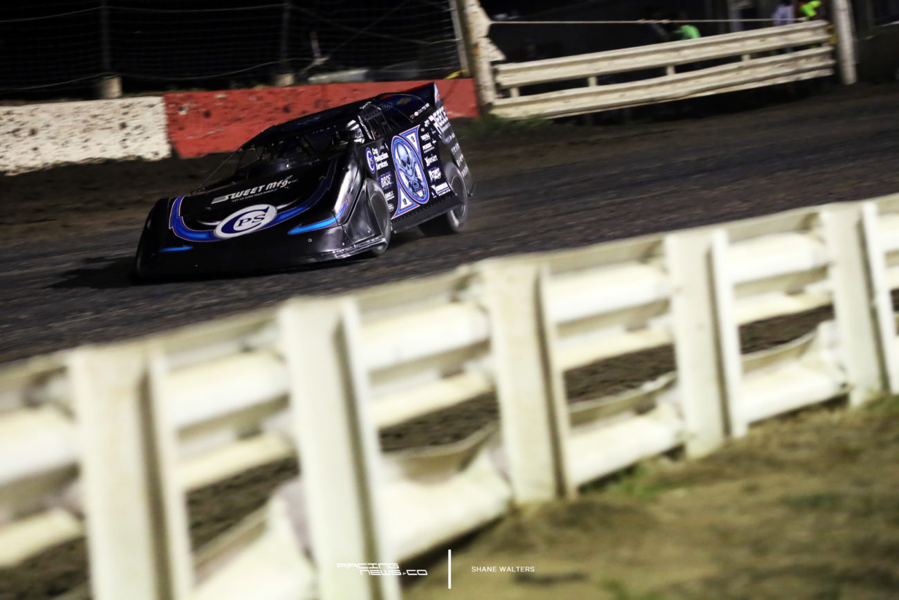 Scott Bloomquist exploding tire I-80 Speedway Silver Dollar Nationals 0399