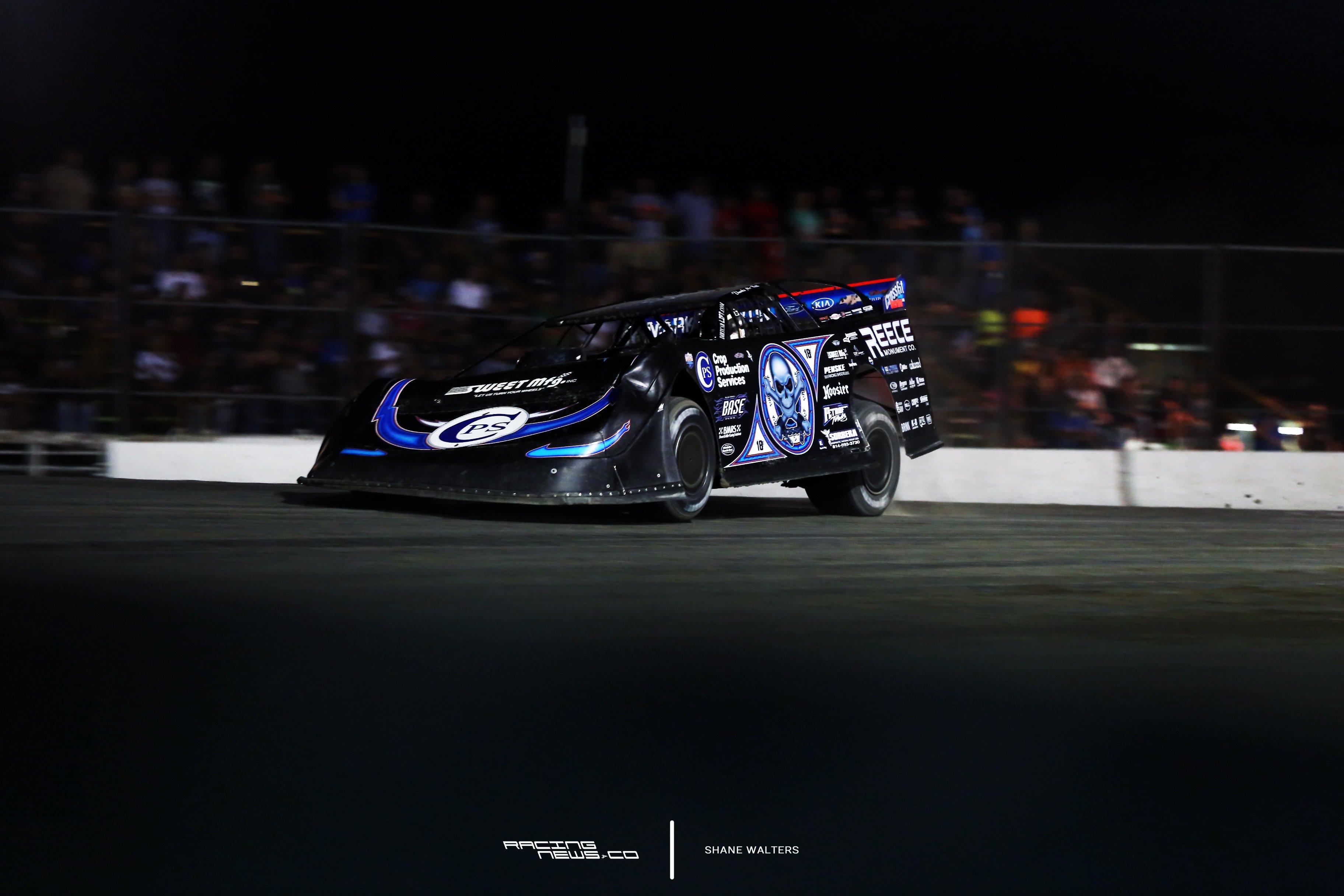Scott Bloomquist wins at Brown County Speedway 9840