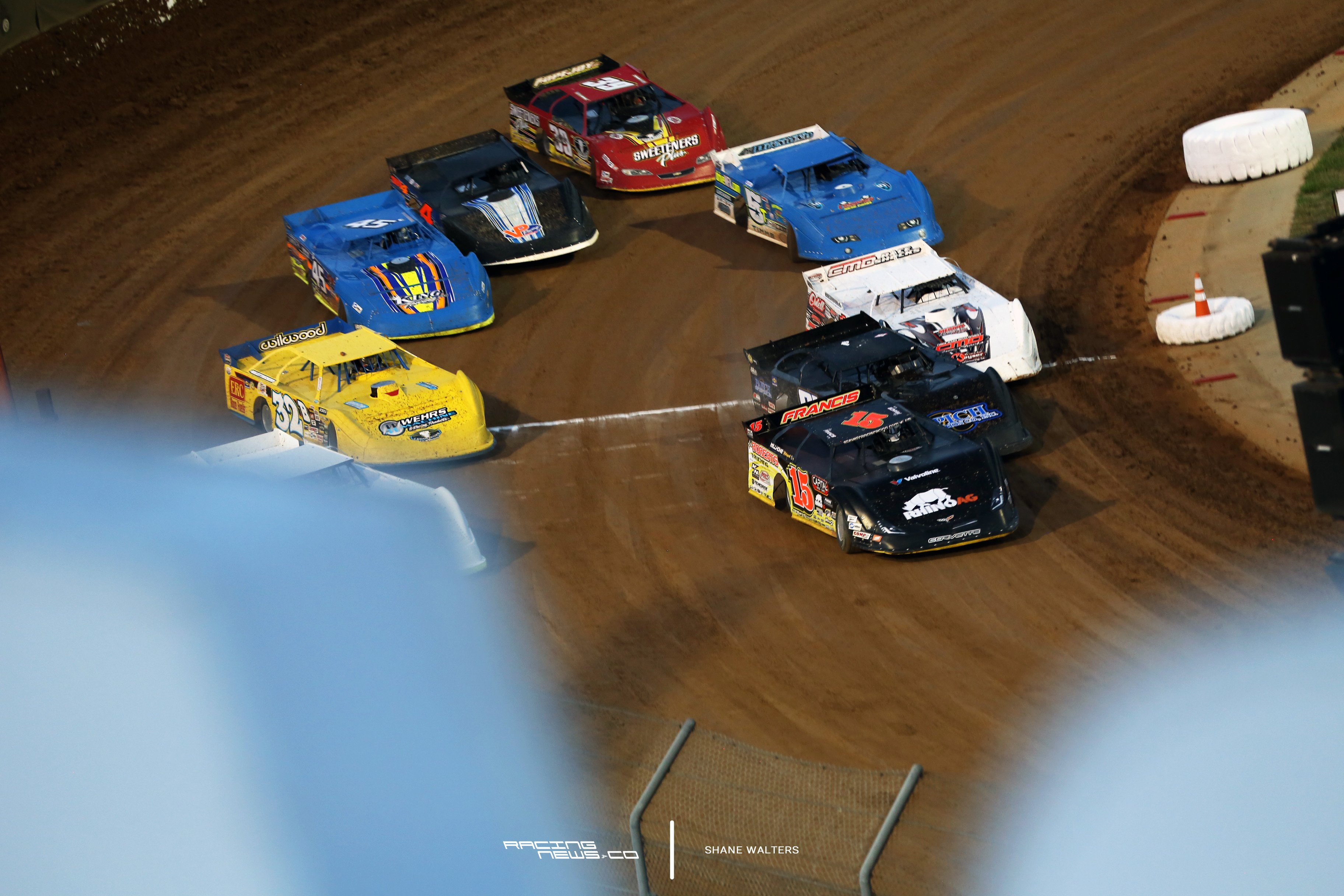 Steve Francis leads the LOLMDS to green in the Diamond Nationals at Lucas Oil Speedway