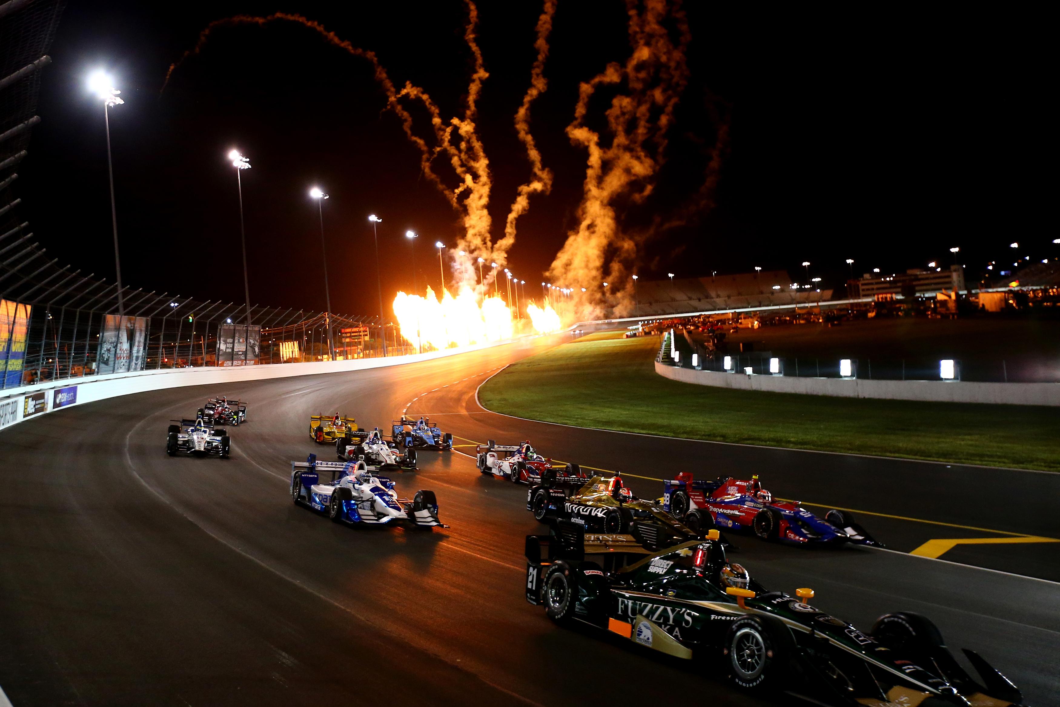 Indycar 3 wide salute - Gateway Motorsports Park