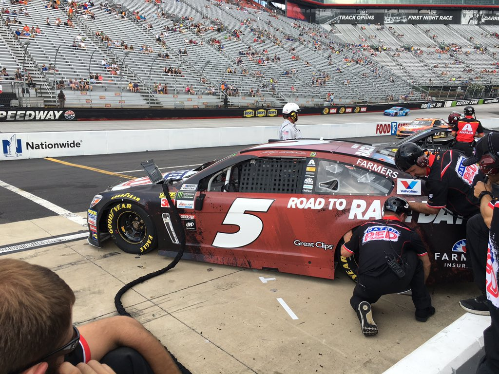 Kasey Kahne qualified 3rd, will start in the back at Bristol