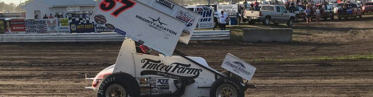 Kyle Larson cleared to run Knoxville Nationals
