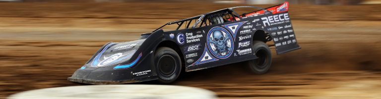 Scott Bloomquist is expected to undergo shoulder surgery this week; Pulls himself from seat