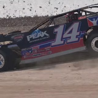 iRacing Dirt Late Model screenshot
