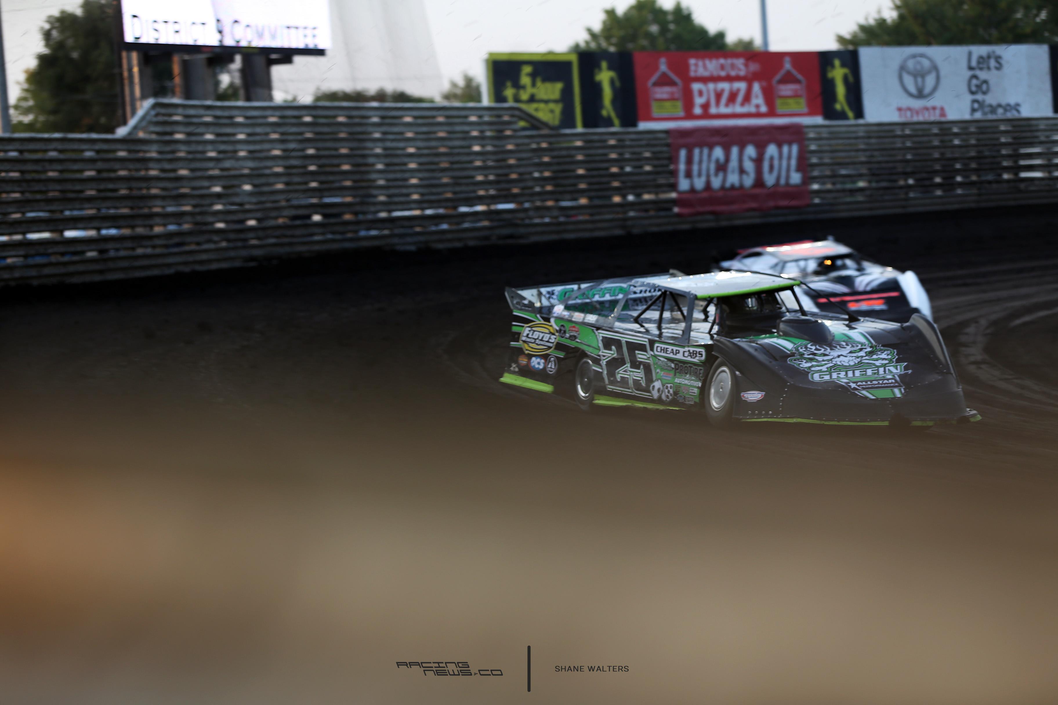 Jason Feger on Knoxville Raceway 5948