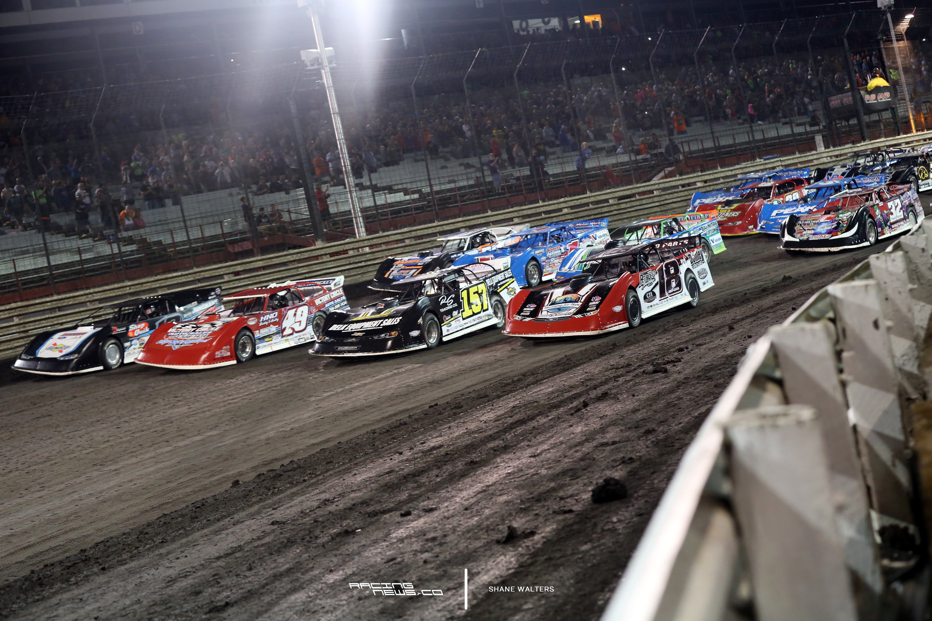 Knoxville Raceway 4 wide salute 7319