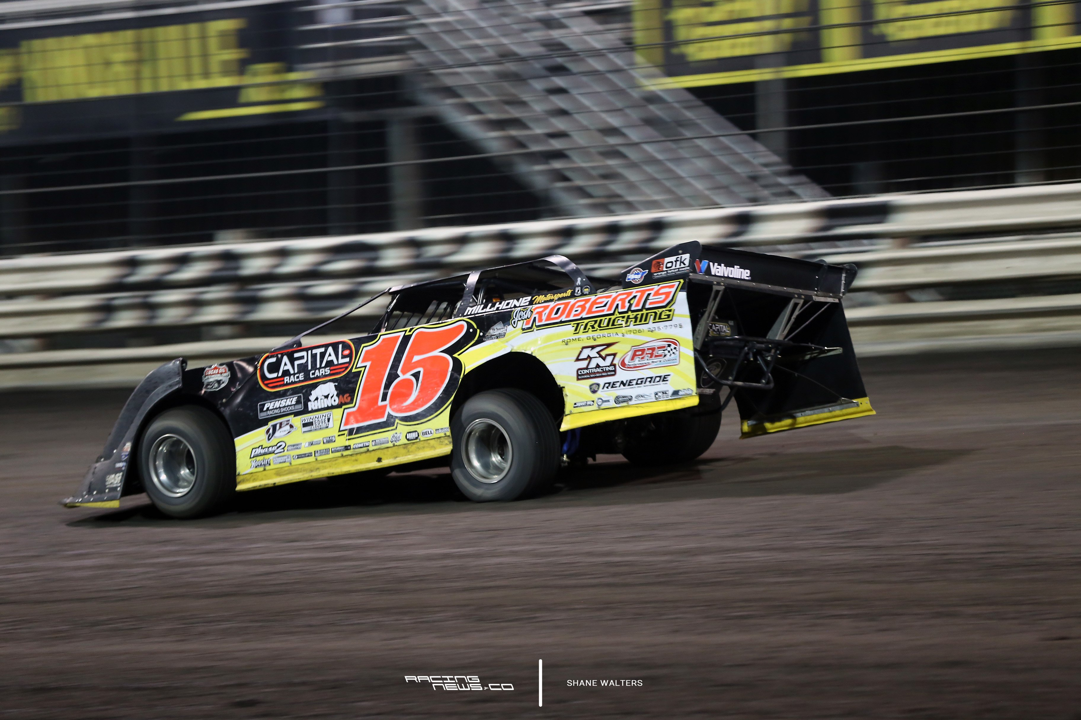 Steve Francis on Dirt Late Model Bodies 7444