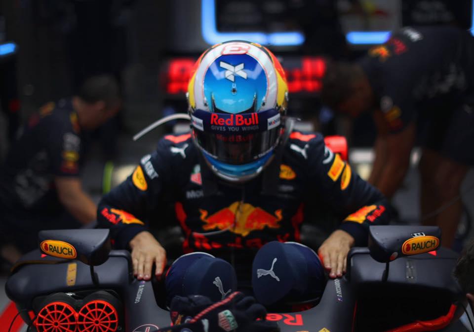 Daniel Ricciardo #3 helmet