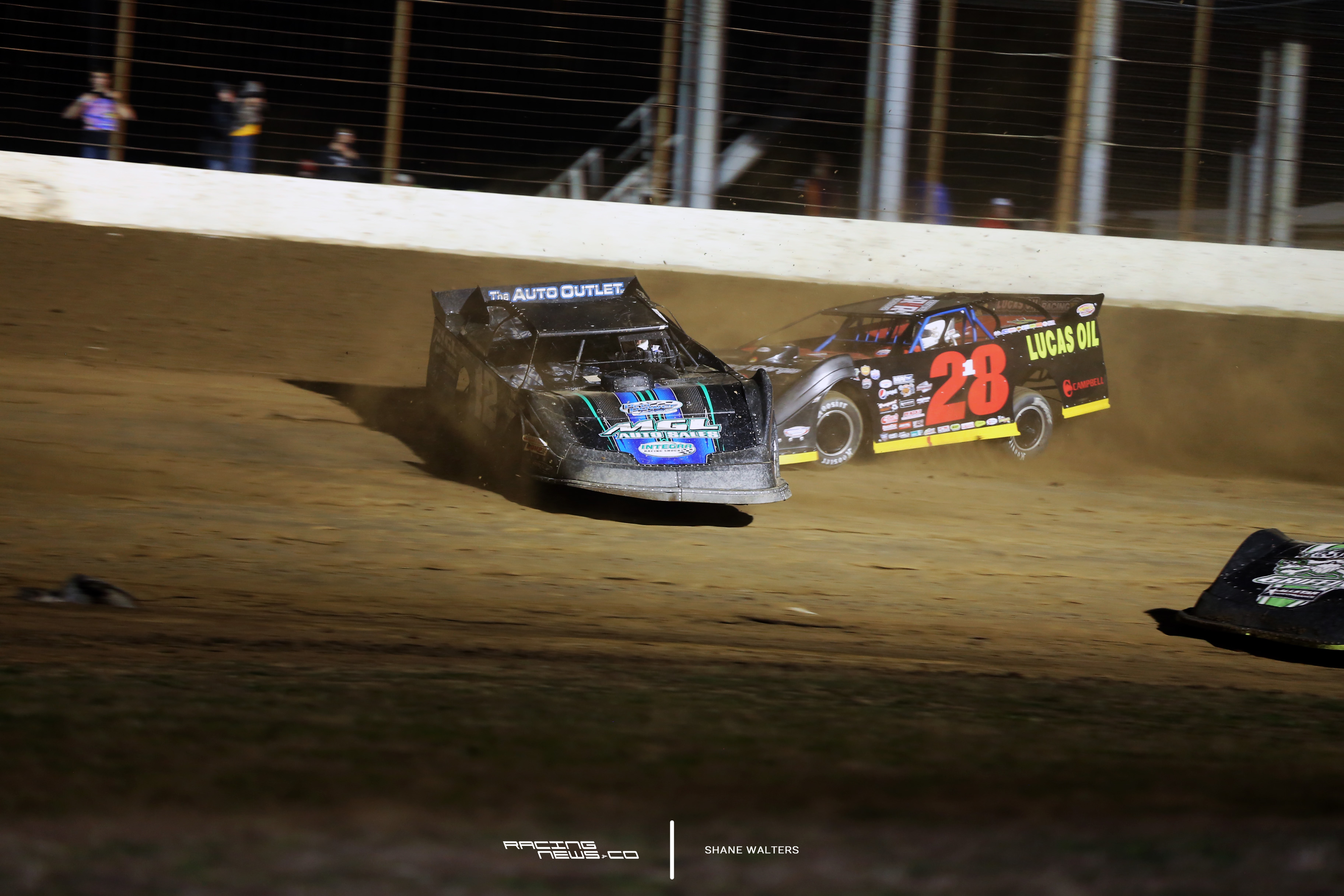 Jason Jameson spins in front of Earl Pearson Jr in the 2017 Dirt Track World Championship