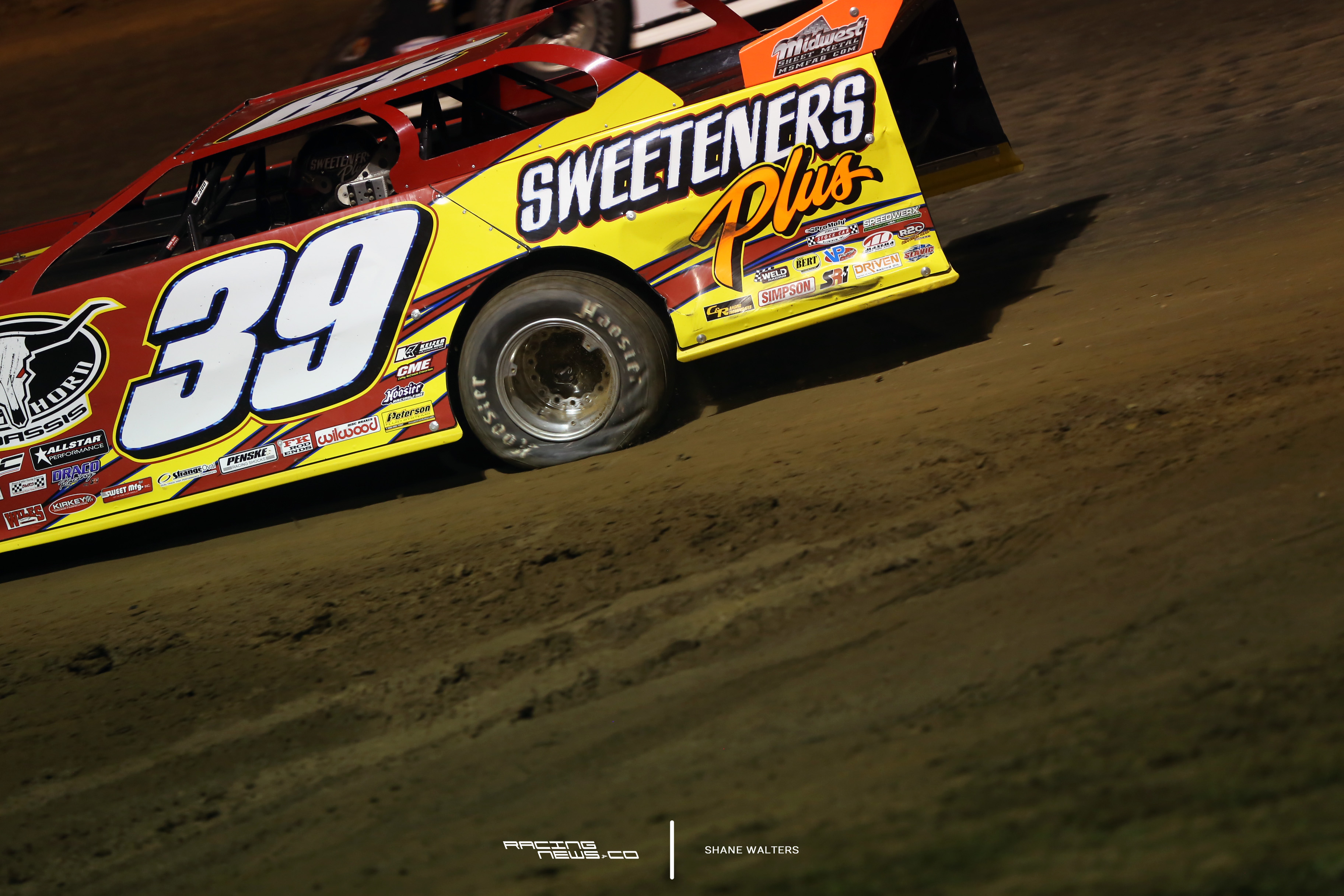 Tim McCreadie has a flat tire coming to the green flag at Portsmouth Raceway Park 2173