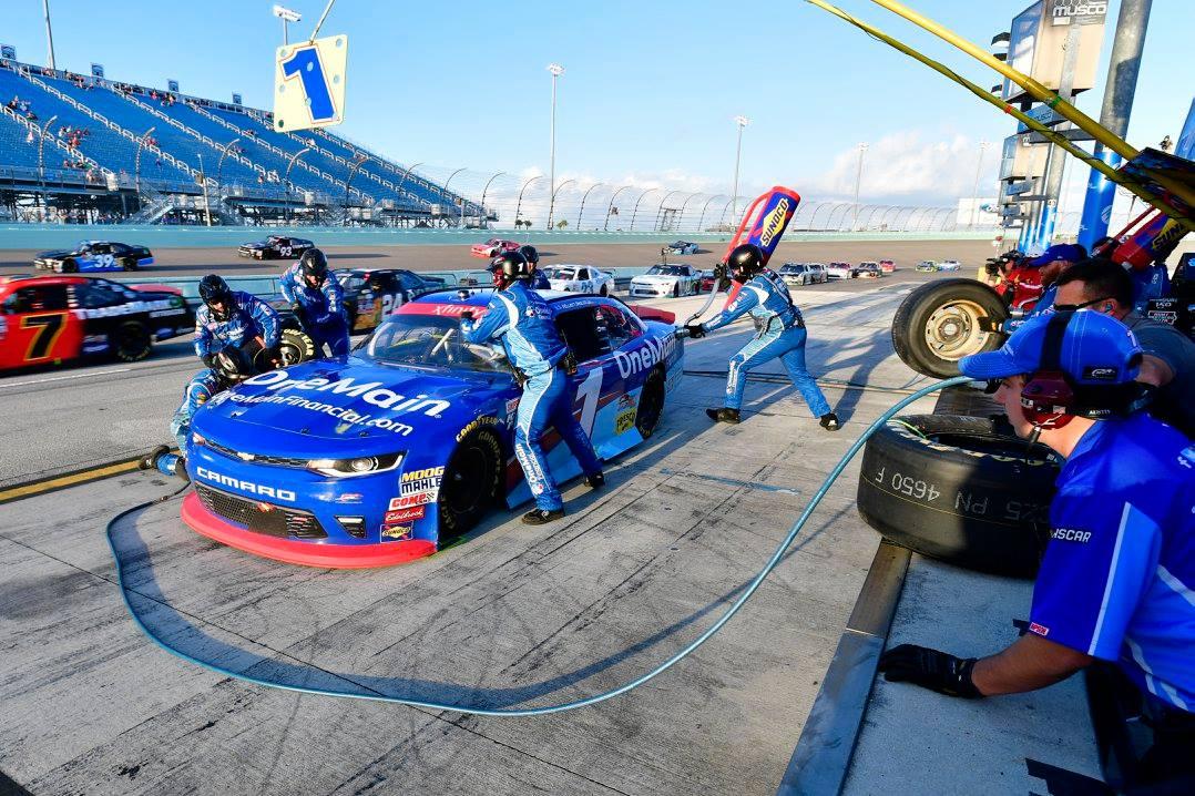 Elliott Sadler - JR Motorsports pit stop