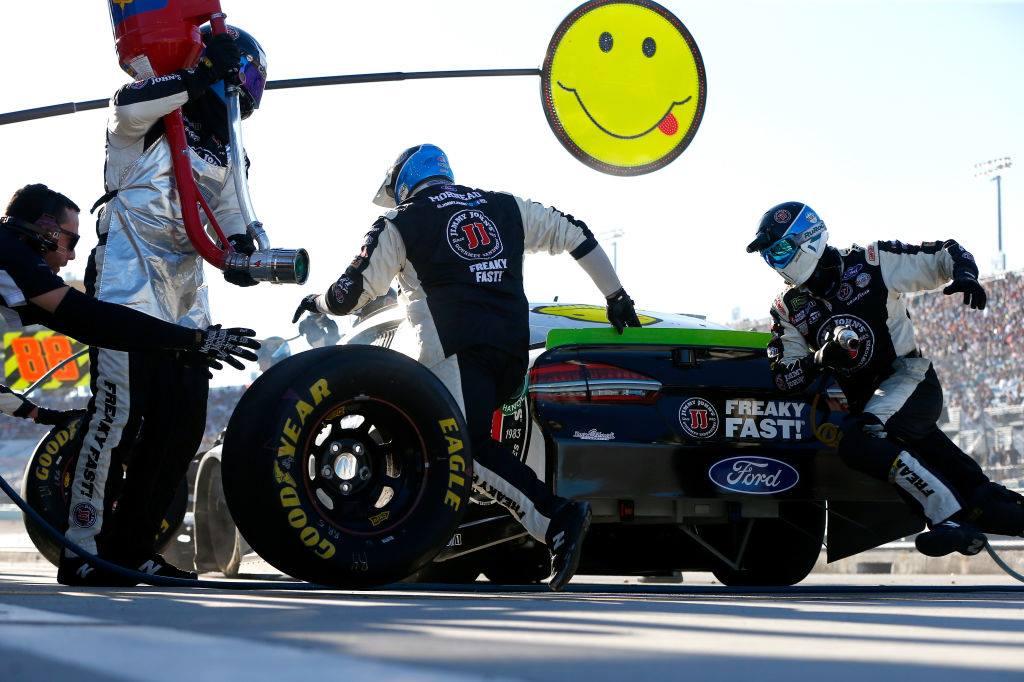 Kevin Harvick - Stewart-Haas Racing crew