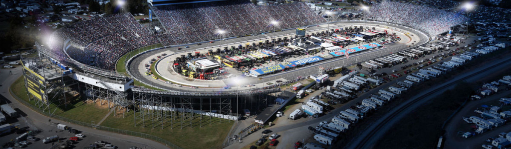 Martinsville Speedway night racing; Clint Bowyer wants more