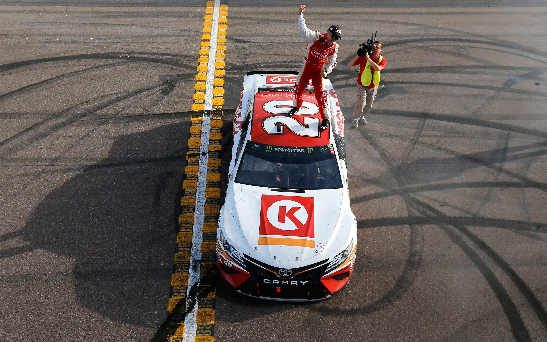 Matt Kenseth wins at Phoenix International Raceway