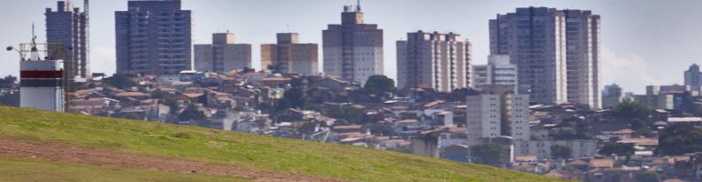 Mercedes F1 team held at gunpoint in Brazil