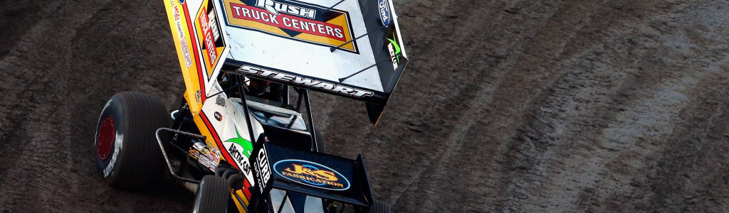Tony Stewart merges the dirt racing and NASCAR crowds