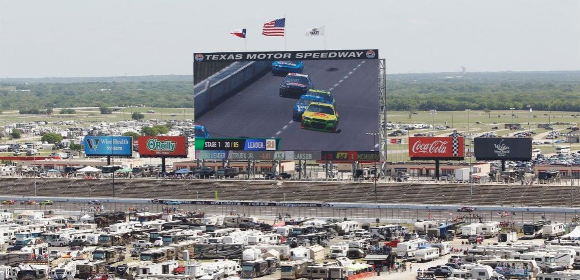 World's Largest HD TV Screen