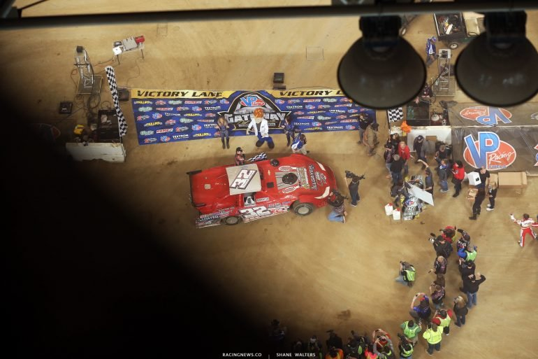 Bobby Pierce and Tanner English (lower right corner) in victory lane 5462