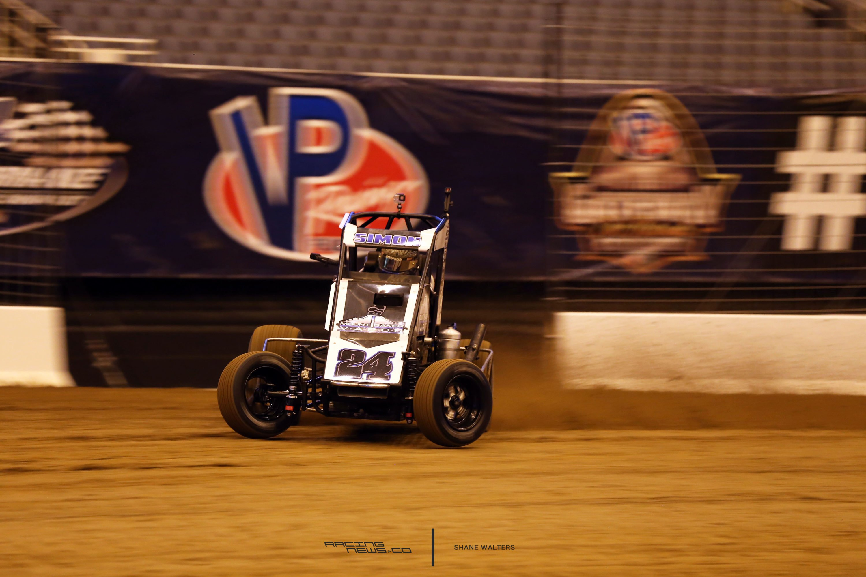 Dirt Midget at the Gateway Dirt Nationals driven by Landon Simon 2447