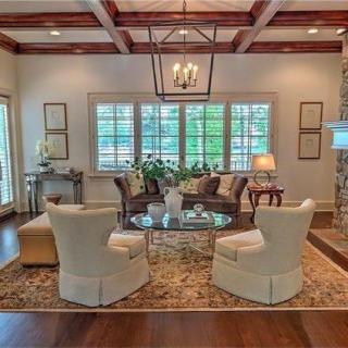 Matt Kenseth's house photos - Living room