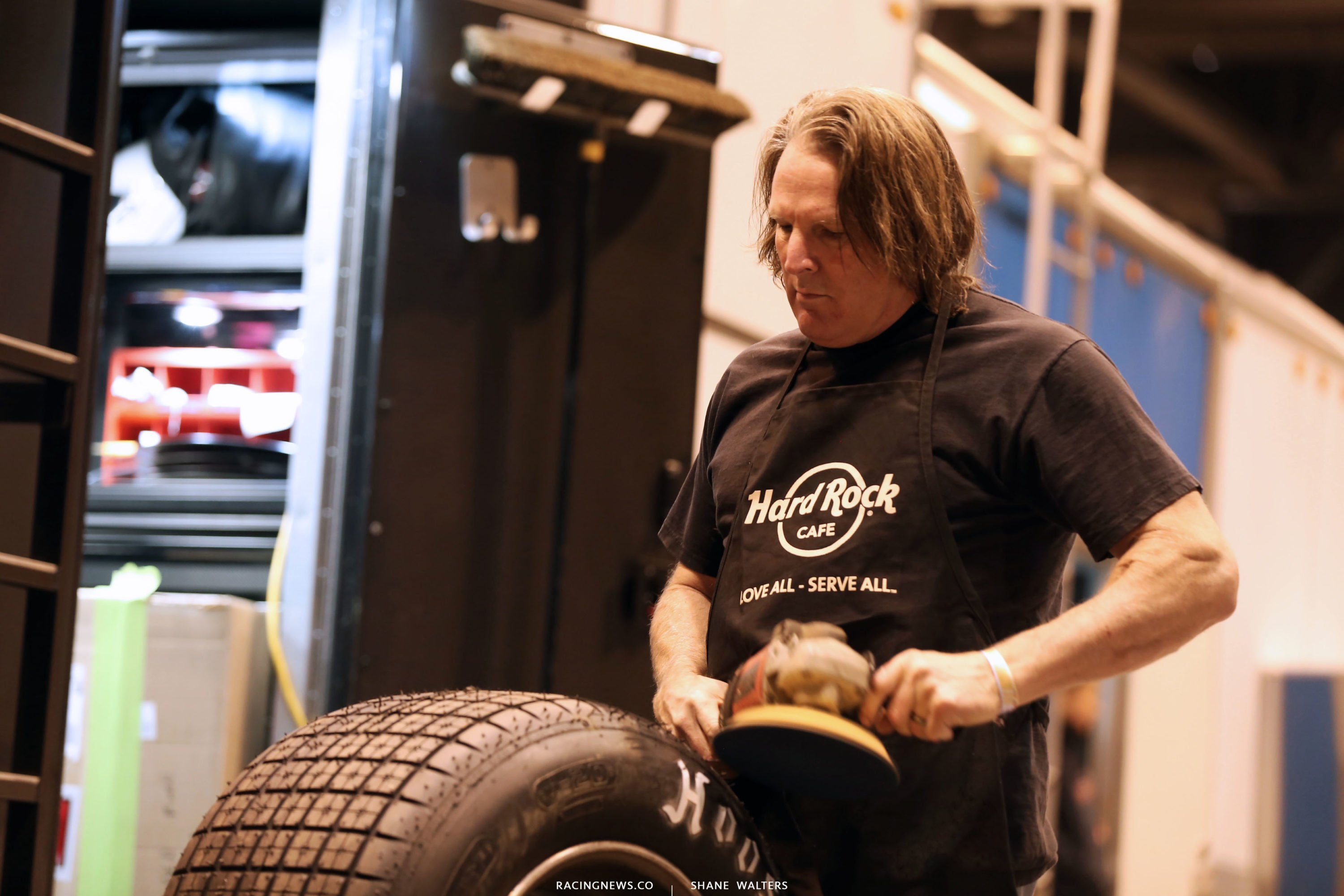 Scott Bloomquist preps tires ahead of the Gateway Dirt Nationals 2728