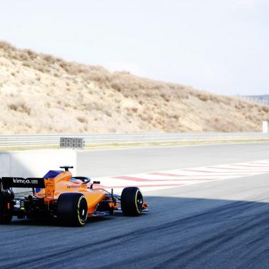 2018 McLaren F1 race car photos