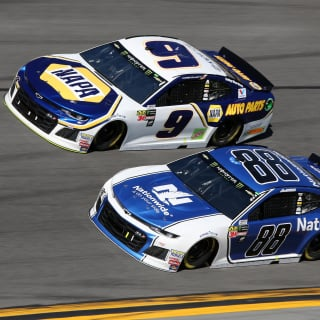 Alex Bowman and Chase Elliott in the Daytona 500