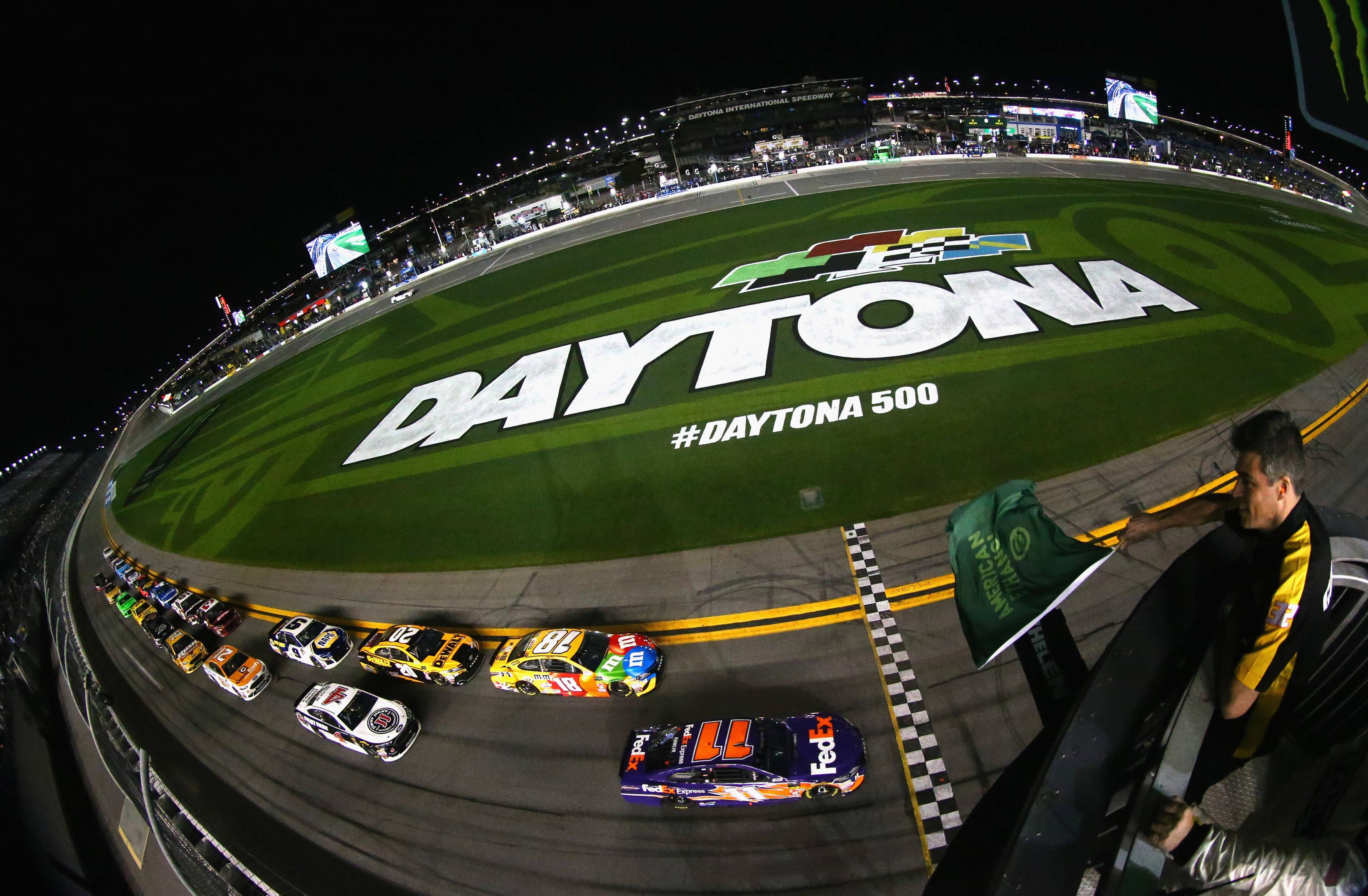 Daytona Duels - Denny Hamlin and Kyle Busch