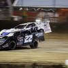Gregg Satterlee and Jonathan Davenport lead the field to turn 1 at East Bay Raceway Park 8218