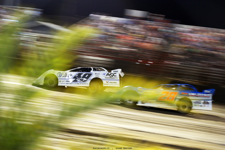 Jonathan Davenport and Dennis Erb Jr at East Bay Raceway Park 9559
