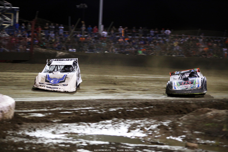Jonathan Davenport and Josh Richards at East Bay Raceway Park 9822