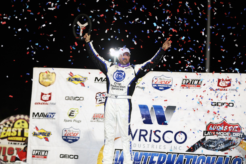 Jonathan Davenport wins at East Bay Raceway Park 9836