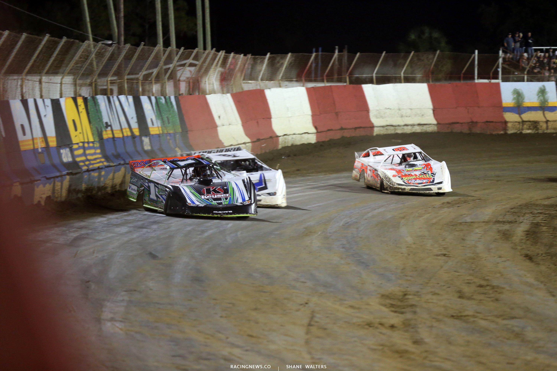 Josh Richards leads Jonathan Davenport and Tim Dohm at East Bay Raceway Park 7692