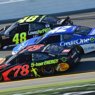 Martin Truex Jr, Kyle Larson and Jimmie Johnson in the 2018 Daytona 500