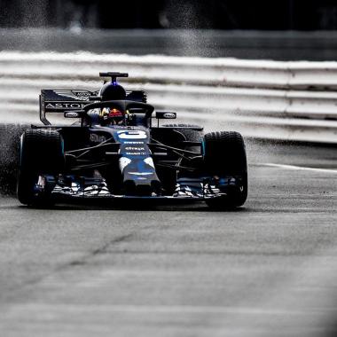 Red Bull Racing 2018 car photos