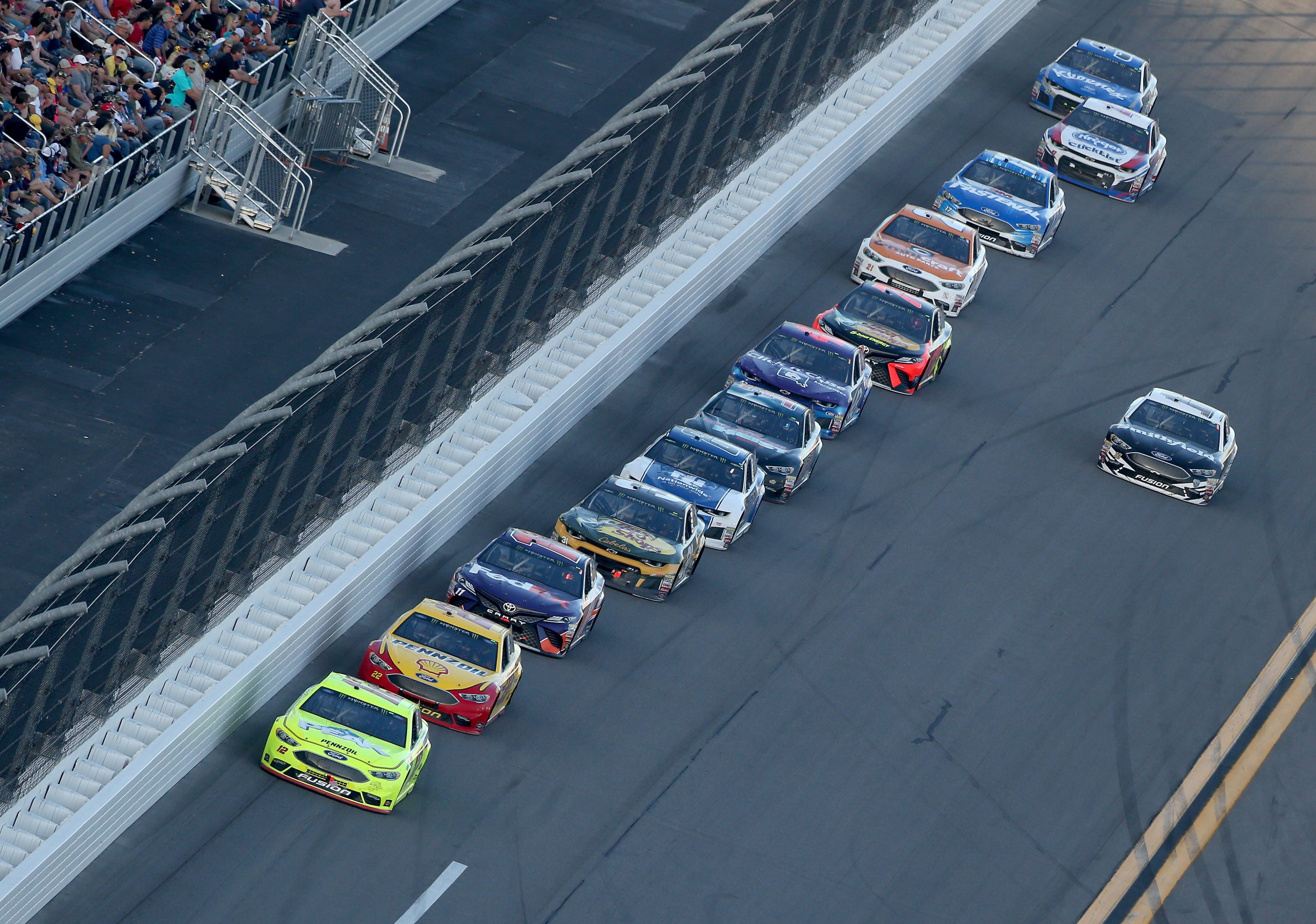 Ryan Blaney leads the Daytona 500