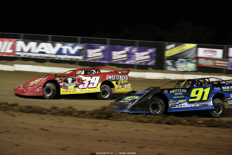 Tim McCreadie and Tyler Erb at Bubba Raceway Park 0735