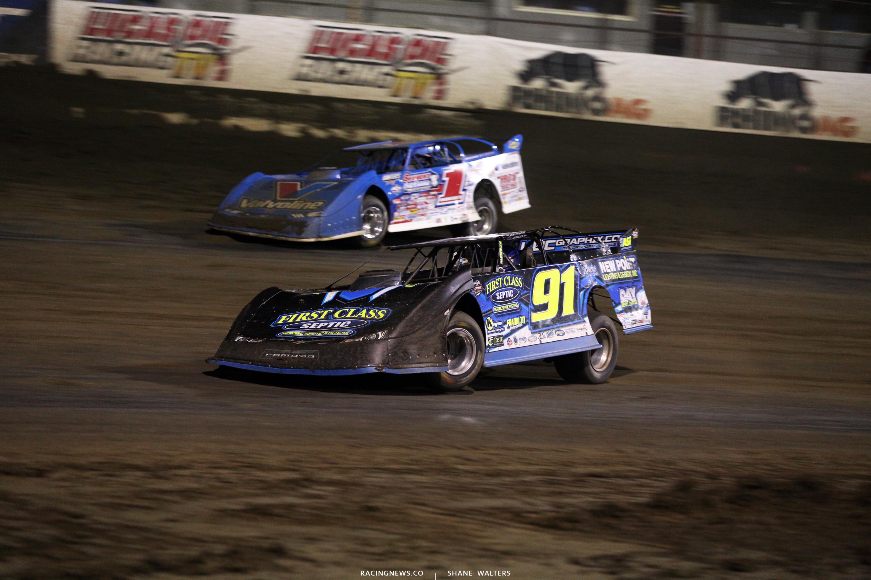 Tyler Erb battles Brandon Sheppard at East Bay Raceway Park 9250