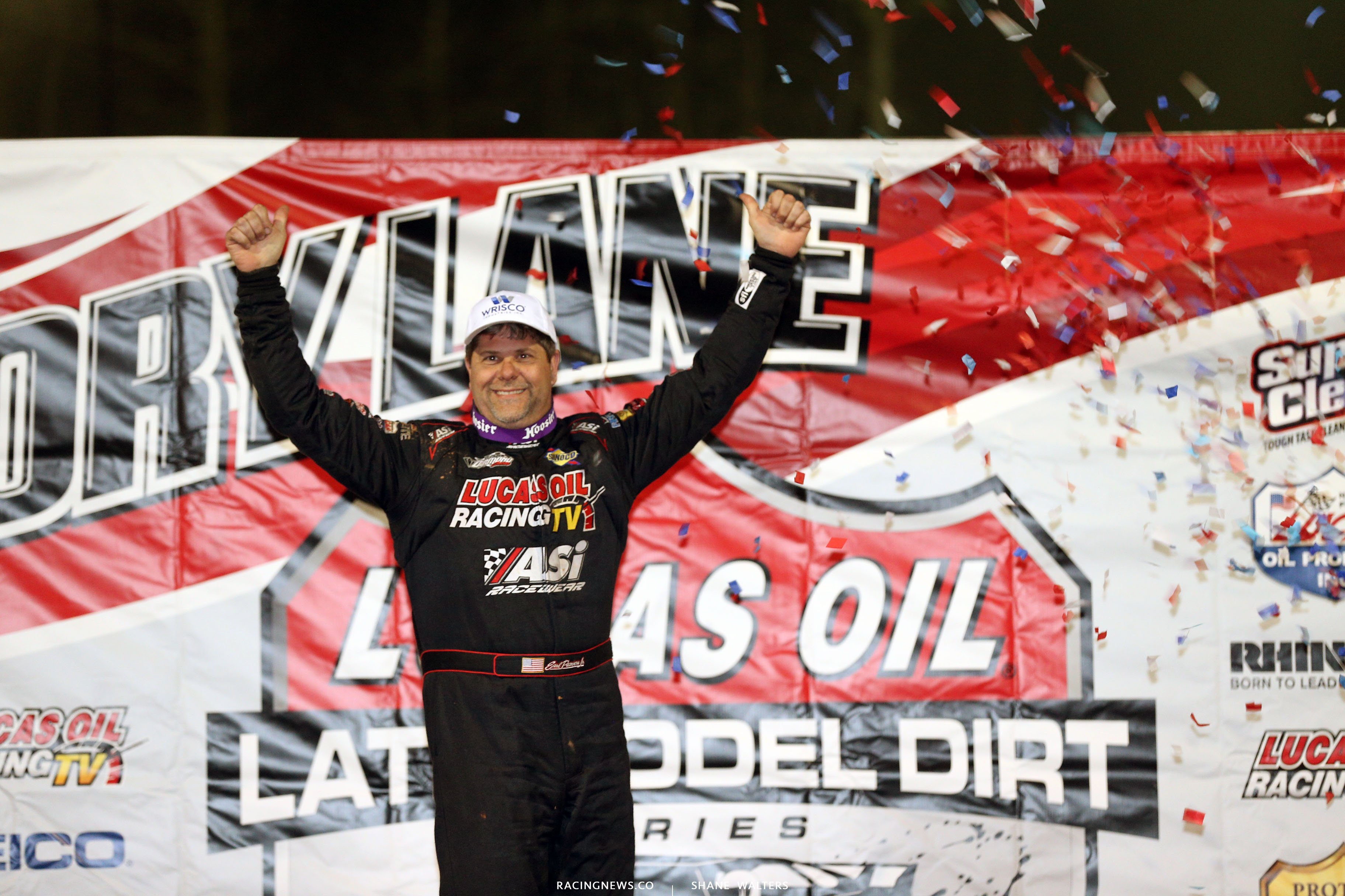 Earl Pearson Jr wins the Lucas Oil Late Model Dirt Series event 1555
