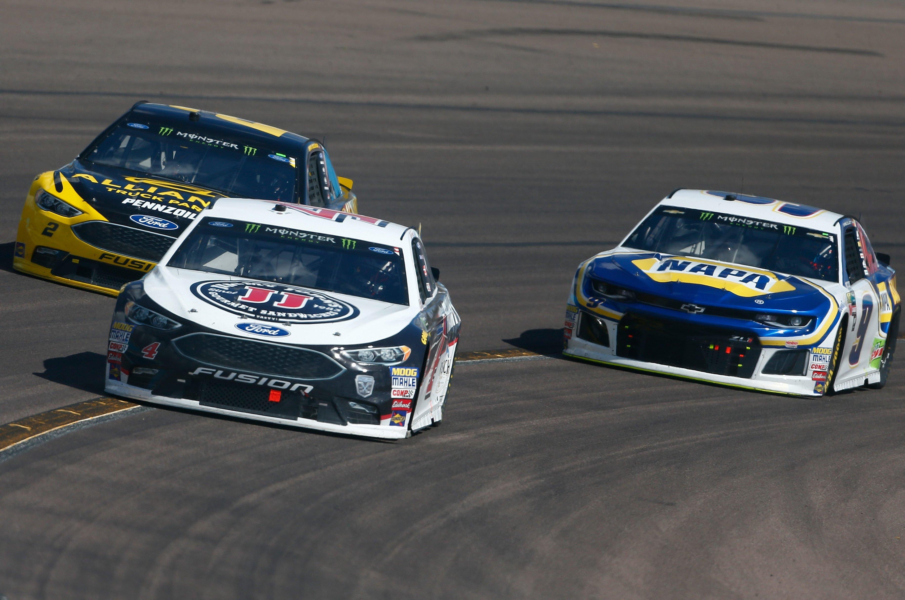 Kevin Harvick, Brad Keselowski and Chase Elliott at ISM Raceway