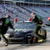 Kurt Busch pit stop - Charlotte Motor Speedway