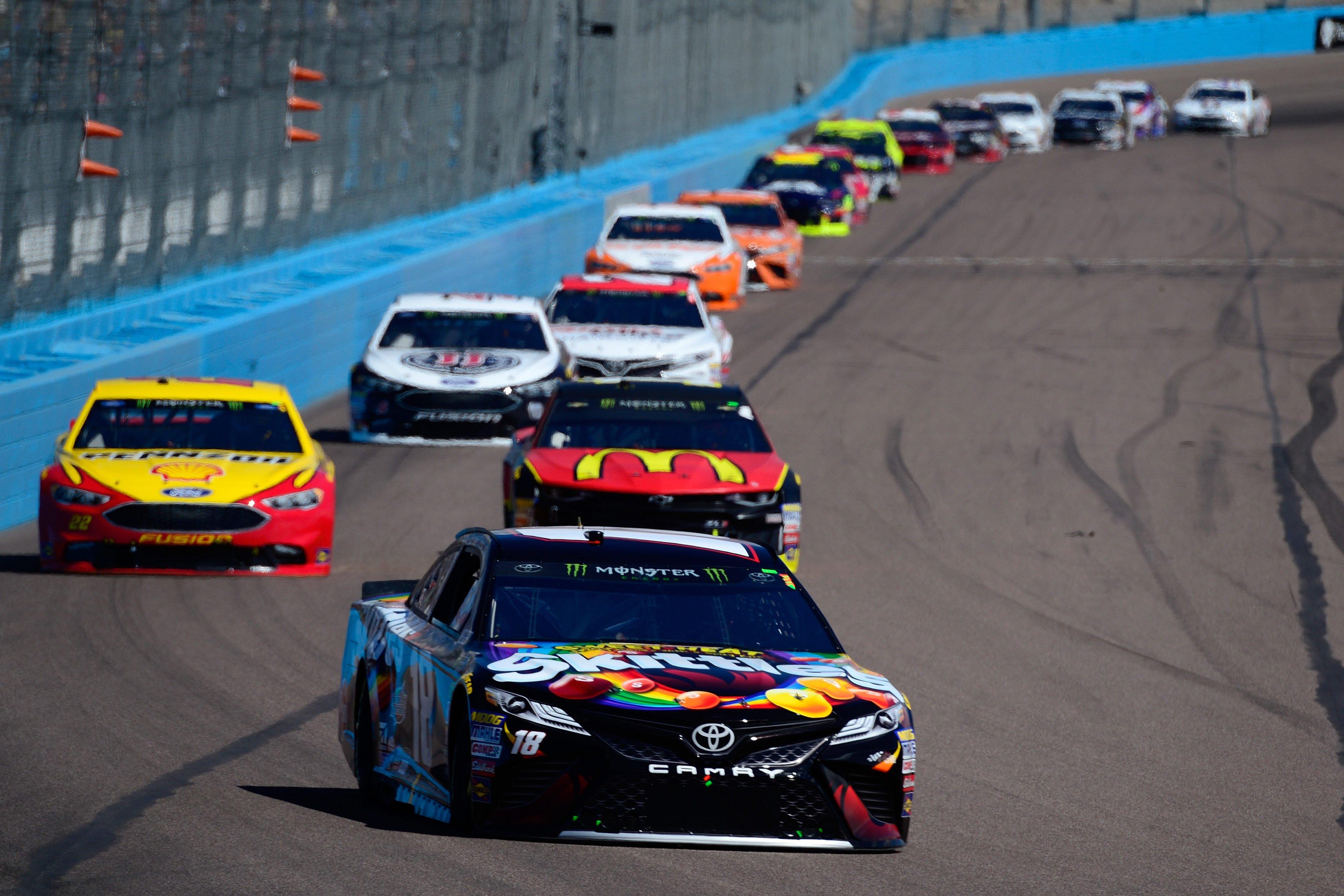 Kyle Busch leads at ISM Raceway