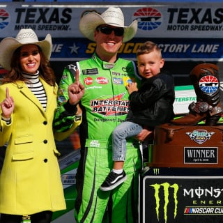 Kyle Busch, Brexton Busch and Samantha Busch in victory lane at Texas