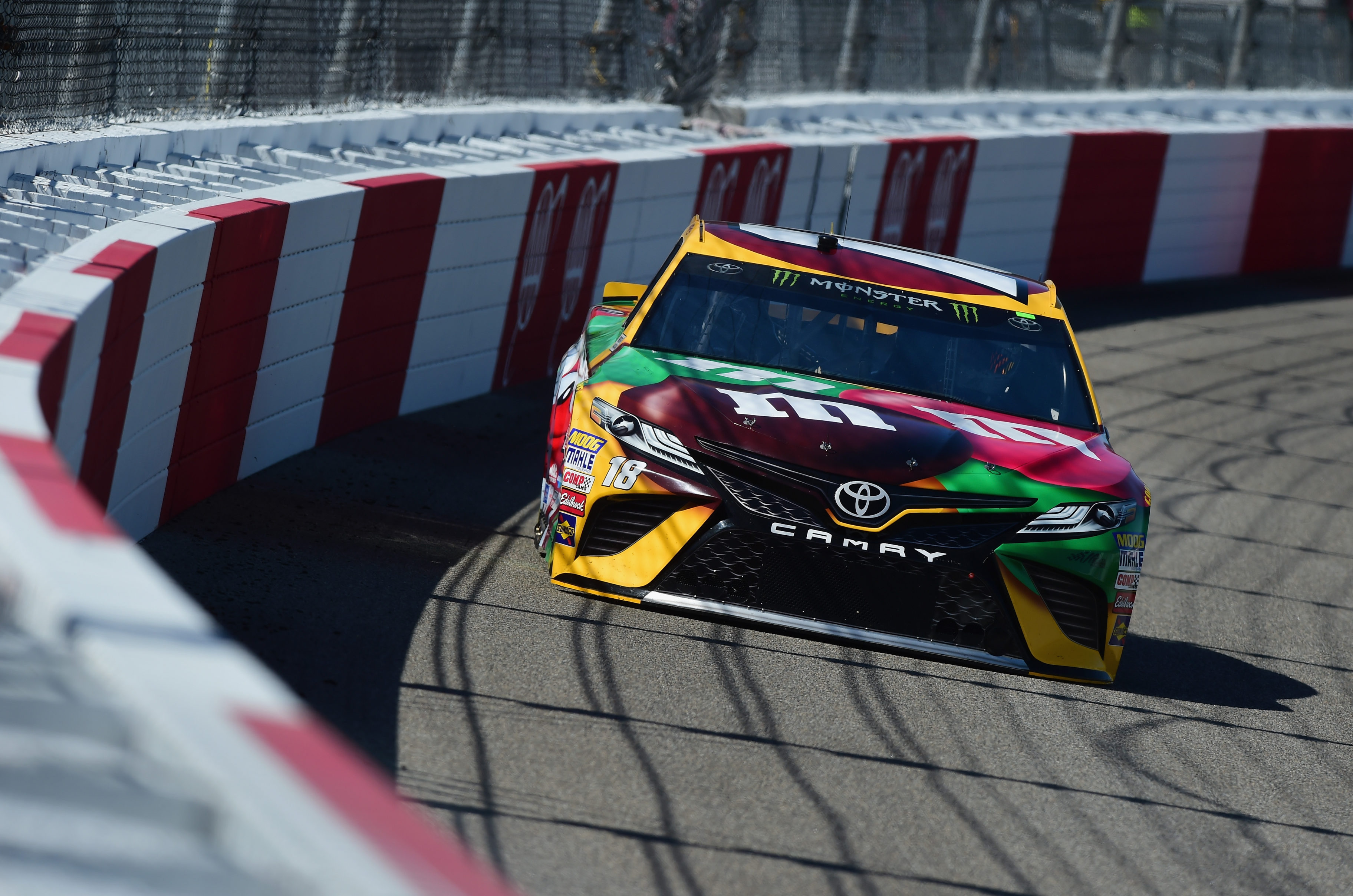 Kyle Busch at Richmond Raceway 2