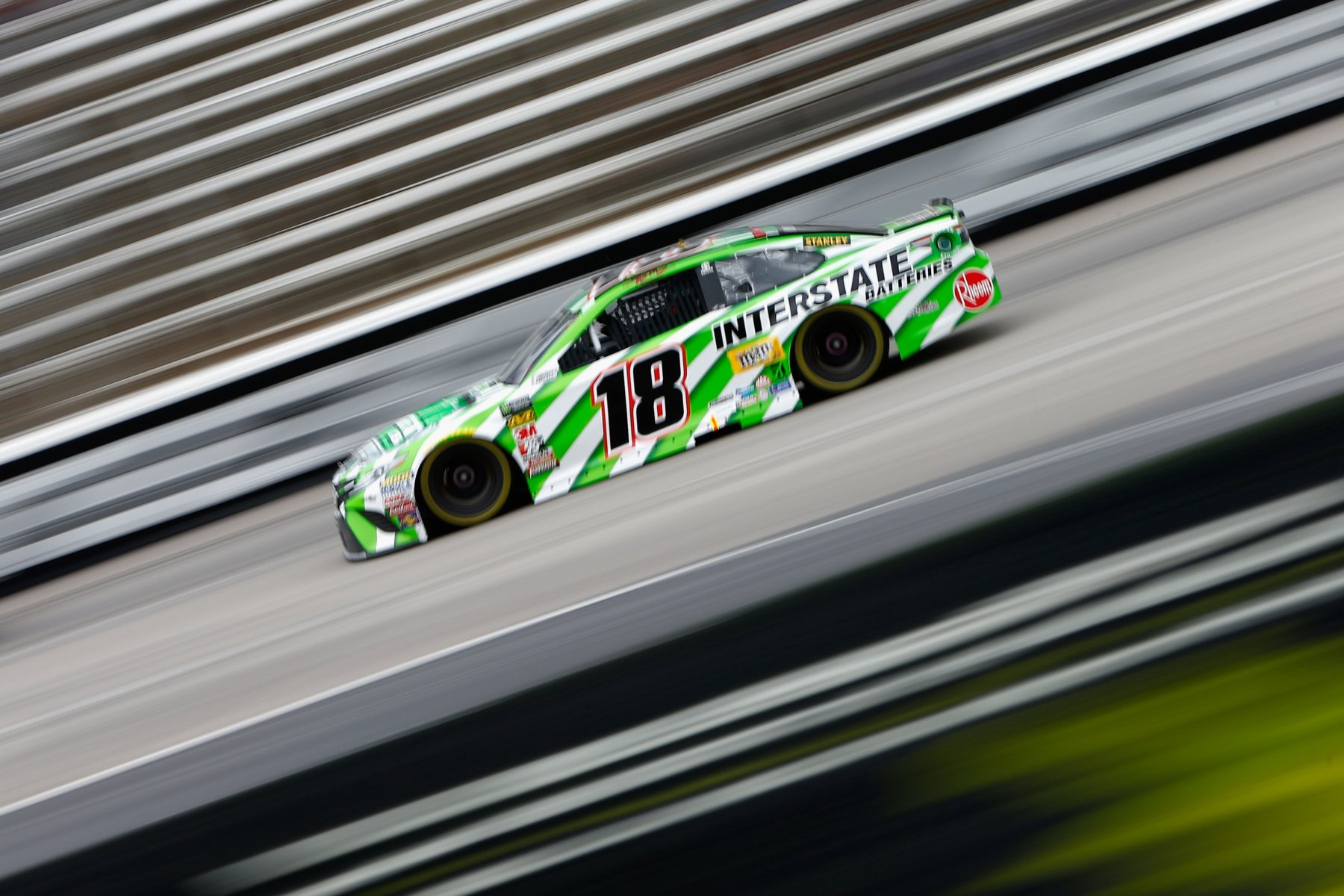 Kyle Busch at Texas Motor Speedway in the NASCAR Cup Series race