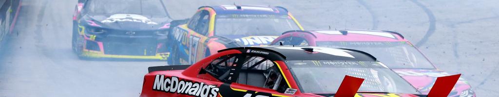 Kyle Larson, Daniel Suarez wreck under caution at Bristol Motor Speedway (VIDEO)