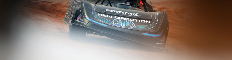 Bloomquist thinks his arm injury will keep him from running for the championship