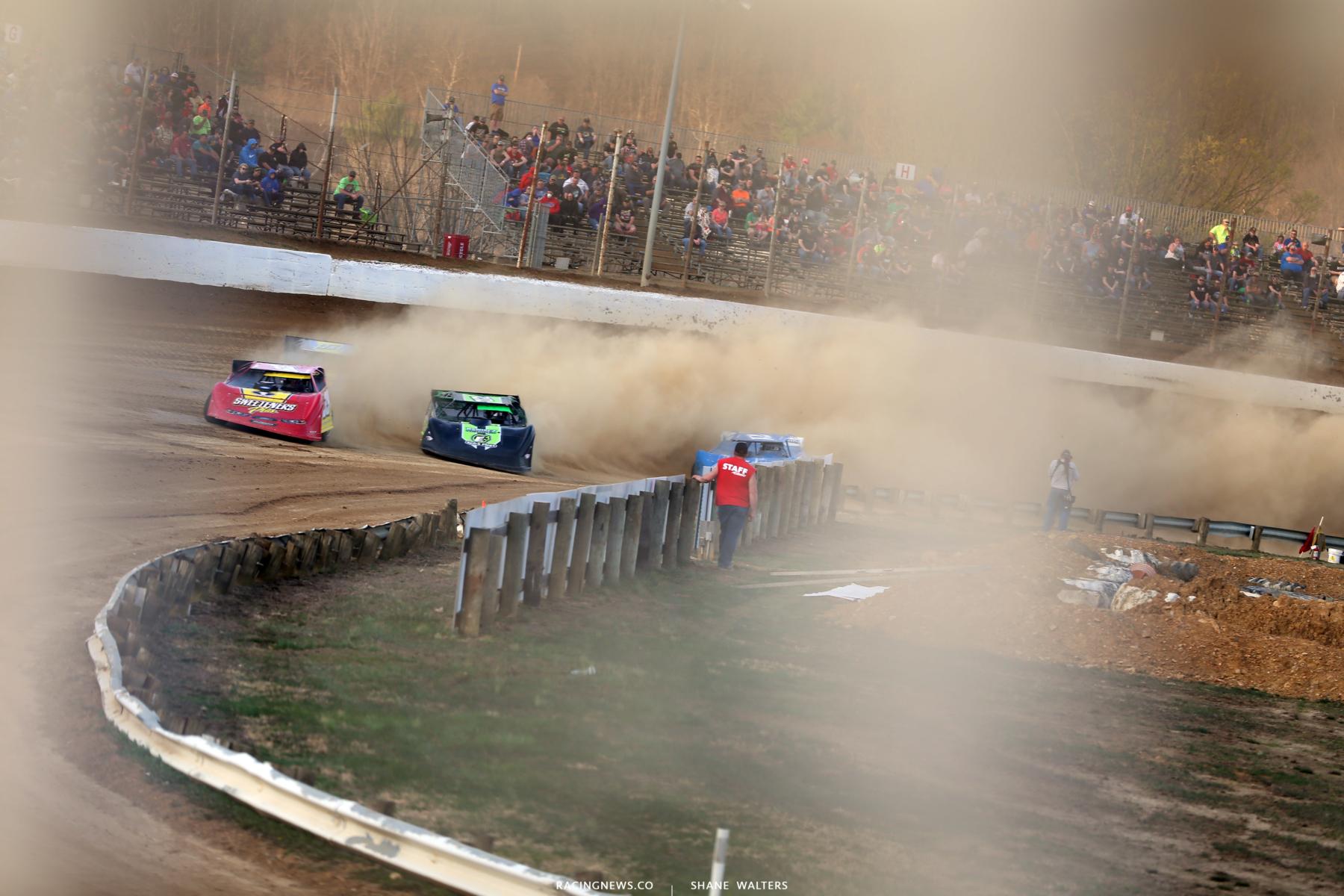 Tim McCreadie and Jimmy Owens at Atomic Speedway 2307