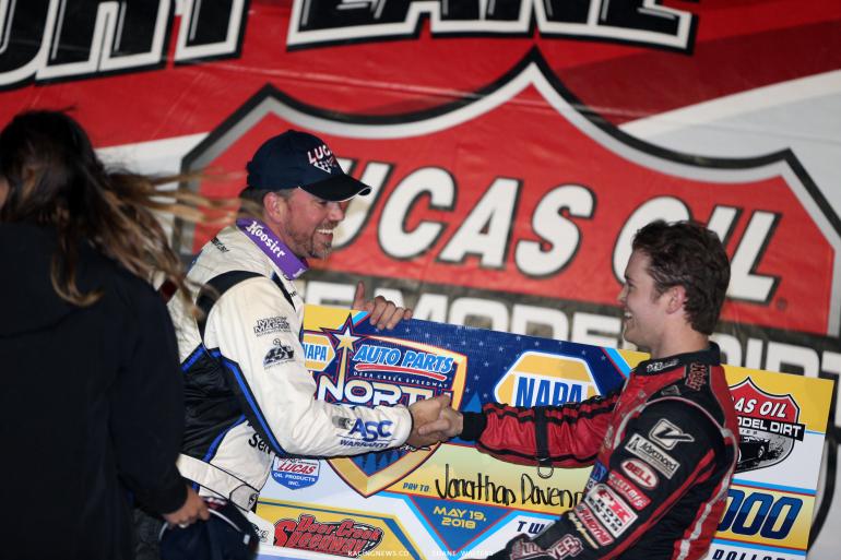 Bobby Pierce and Jonathan Davenport shake hands after the wild race at Deer Creek Speedway 7293
