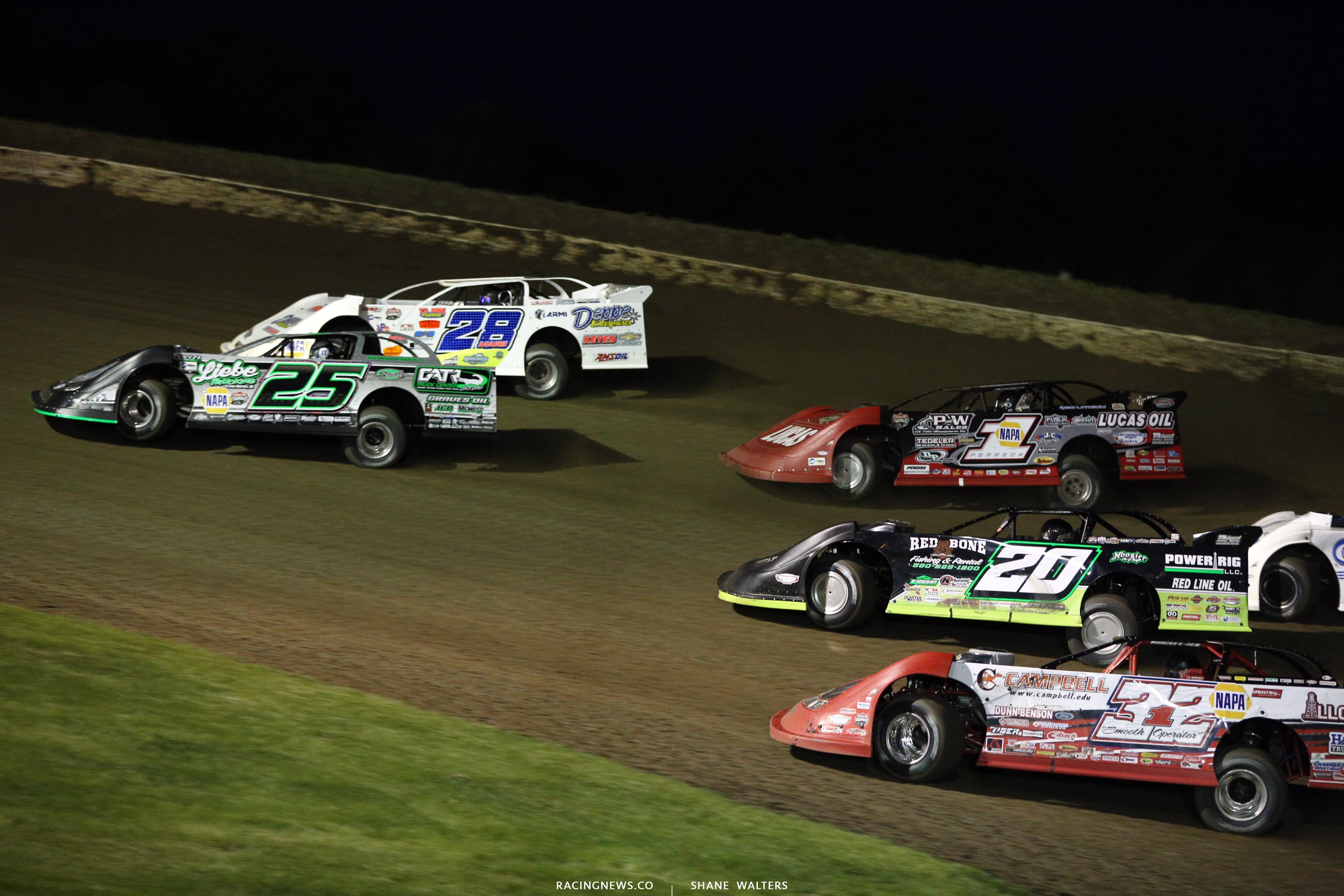 Chad Simpson and Jimmy Mars lead the field at Deer Creek Speedway 7115
